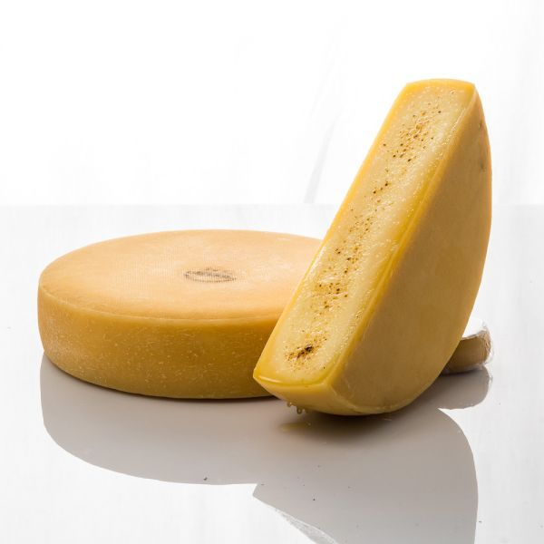 You are currently viewing RACLETTE 101: Why You Need To Add Cheese To Everything